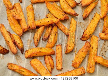 Delicious potato wedges with rosmary and thyme