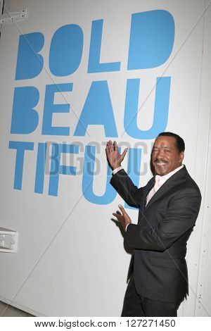 LOS ANGELES - APR 25:  Obba Babatunde at the Bold and Beautiful Emmy Nominees Celebration at the CBS Television City on April 25, 2016 in Los Angeles, CA