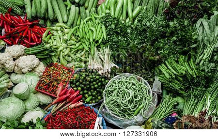 Large quantities of vegetables in the market