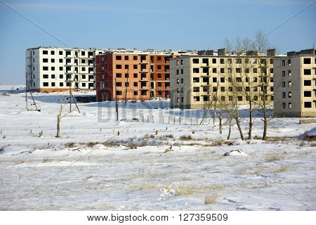 Abandoned multi-storey houses in the desert, there are no people