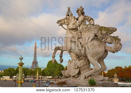 Sunrise over place de la Concorde in Parice, France