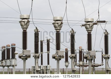 High voltage isolation in the power substation