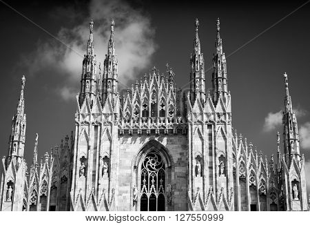 black and white photo of the Milan Cathedral (Duomo di Milano)