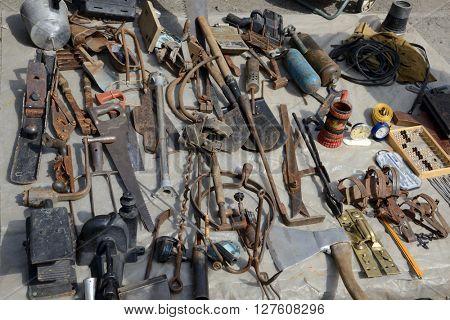 metal hardware