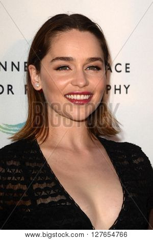 LOS ANGELES - APR 21:  Emilia Clarke at the Annenberg Space for Photography presents REFUGEE at the Annenberg Space for Photography on April 21, 2016 in Century City, CA
