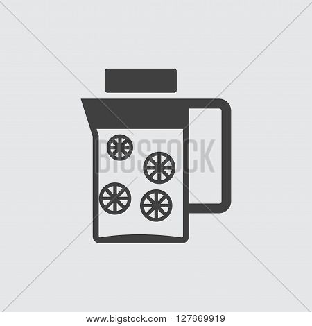 Decanter icon illustration isolated vector sign symbol