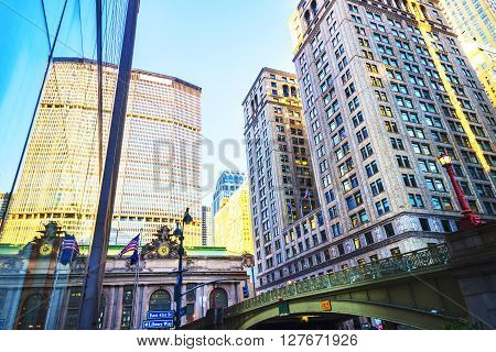 Street View Of Entrance In Grand Central Terminal Building