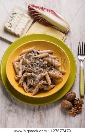 pasta with red chicory gongorzola and walnuts