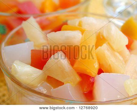 Cóctel de frutas tropicales