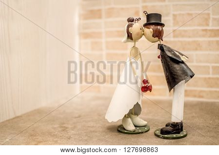 Spouses kisses wedding favor bomboniere background love couple