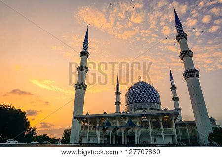 Dramatic Sunset With Vibrant Color Over Mosque (Sultan Salahuddin Abdul Aziz Shah).