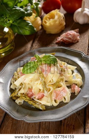 Tagiatelle Pasta With Asparagus And Prosciutto Ham