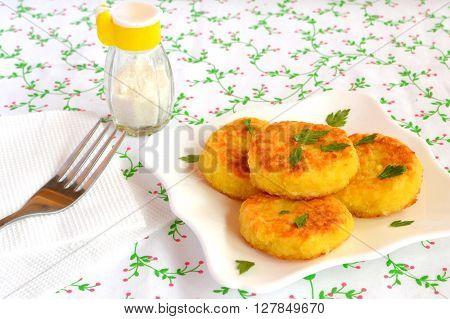 Vegetarian rice patties. Recipe for fasting, diet