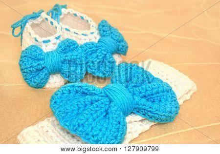 crochet newborn girl headband and shoes - baby shower present