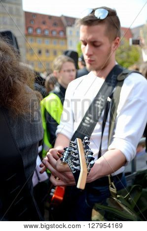 Guitarist - Guiness Record In Wroclaw