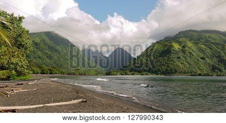 The breathtaking island of Mo'orea. French Polynesia.