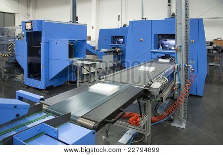 Print shop (press printing) - Finishing line
