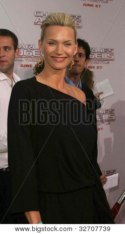 LOS ANGELES - JUN 18: Natasha Henstridge at the premiere of 'Charlie's Angels: Full Throttle' on June 18, 2003 in Los Angeles, California