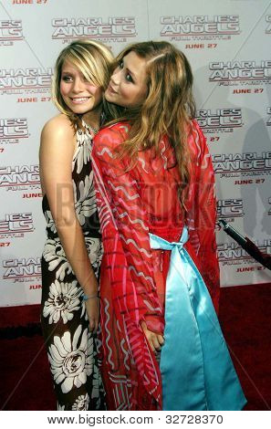 LOS ANGELES - JUN 18: Ashley Olsen, Mary-Kate Olsen at the premiere of 'Charlie's Angels: Full Throttle' on June 18, 2003 in Los Angeles, California