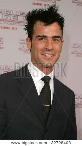 LOS ANGELES - JUN 18: Justin Theroux at the premiere of 'Charlie's Angels: Full Throttle' on June 18, 2003 in Los Angeles, California