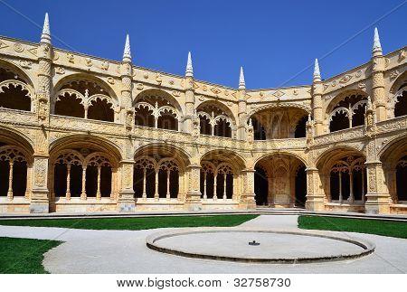 Mosteiro Dos Jeronimos Courtuyard, Lisbon, Portugal