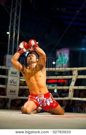 Muay Thai Arms Raised Kneeling Wai Khru
