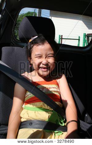 Girl Buckle Seatbelt