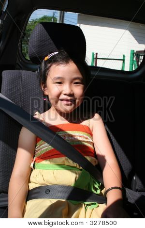 Girl Buckle Seatbelt