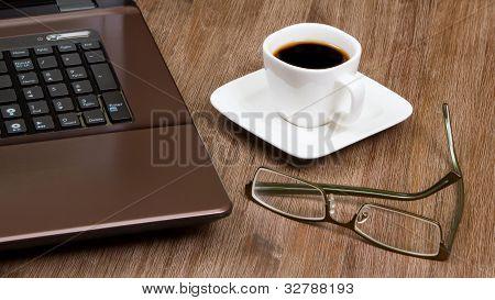 Espresso Kaffee mit laptop