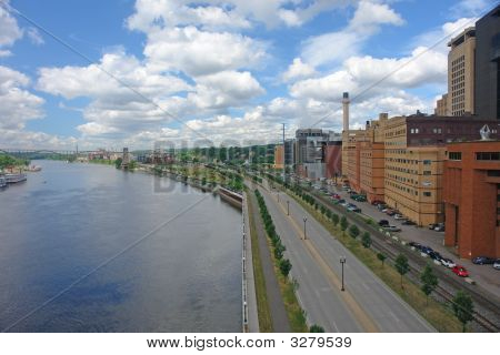 City Of St. Paul By River