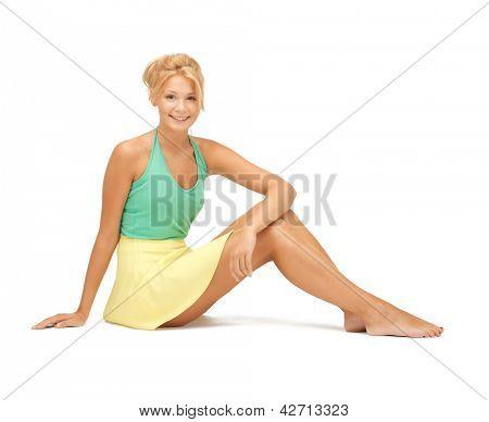 Bild schöne Teenager-Mädchen in Freizeitkleidung