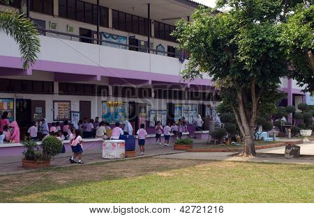 Public School In Thailand