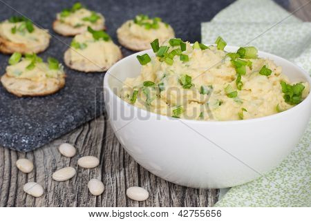 Pate From Whire Beans With Green Onions