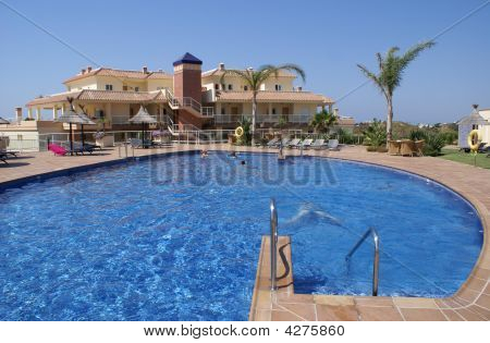 Holiday Apartments & Swimming Pool