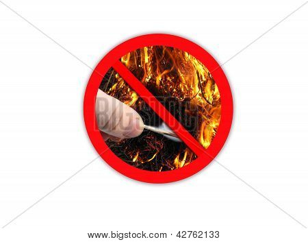 Sign forbidding to make fire