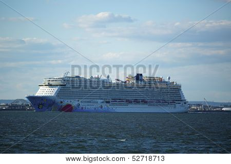 Norwegian Breakaway Cruise Ship leaving New York