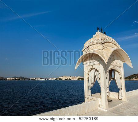 Lake Pichola. Udaipur, Rajasthan, India