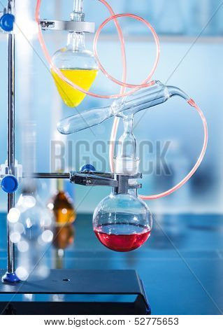 The distillation installing in the chemical laboratory