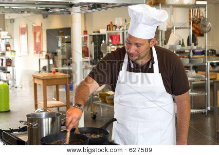 Preparing Pasta