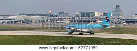 Korean Air Airbus A330-223