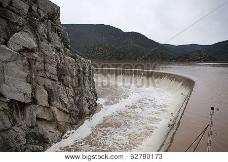 Reservoir Jandula, expelling water after several months of rain