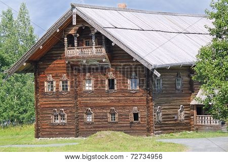 Karelian house in Kizhi, Russia