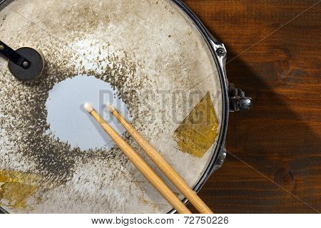 Old Metal Snare Drum With Drumsticks