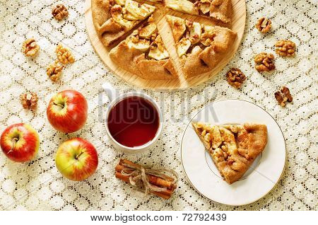 Rye Galette With Apple, Cinnamon And Walnuts