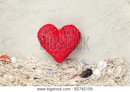 Heart Shape Toy And Net With Shells