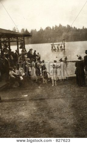 1920 outing at a lake