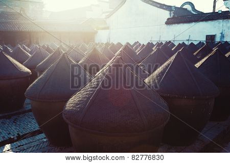 traditional chinese wine fermentation cans