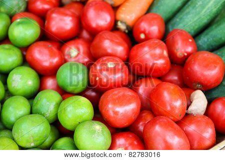 Lemon, Lemongrass, Tomato, Carrot And Cucumber