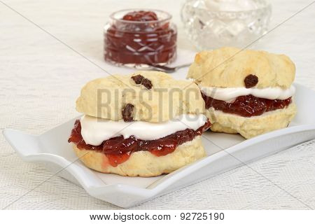 closeup cream tea scones