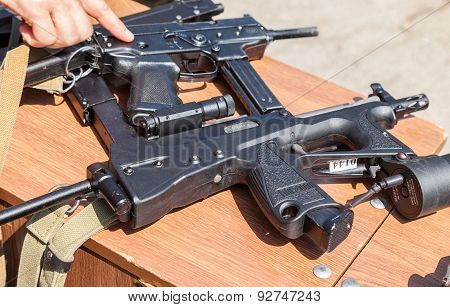 Russian Firearms. Submachine Gun Pp-2000
